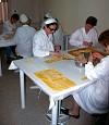 preparazione dei tipici tortellini a Valeggio