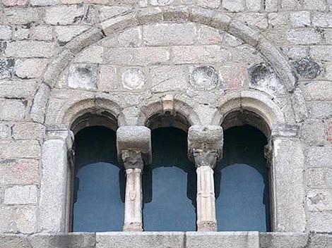 Basilica di San Simplicio-trifore