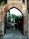 arco di entrata del castello di Serramazzoni (12)