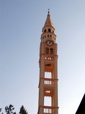 il particolare campanile di Marsaglia in alta Val Trebbia