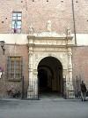 ingresso del Palazzo del Tribunale di Piacenza