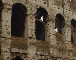 I buchi del Colosseo